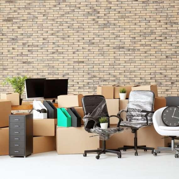 פינוי רהיטים וגרוטאות בהובלה