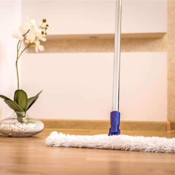 ניקיון יסודי לחגים: לנקות לבד או להזמין חברת ניקיון?